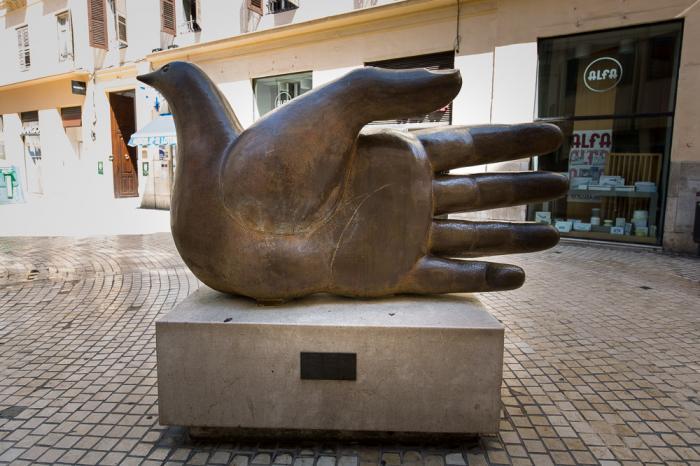 Monday's Monument: Ave Quiromantica, Malaga, Spain