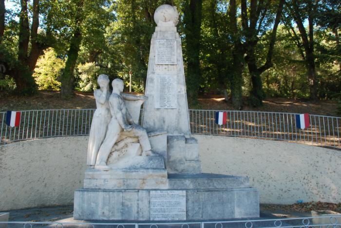 Monday's Monument: Monument aux Morts, Château-Arnoux, France