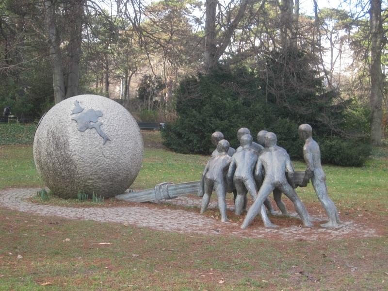 Monday's Monument: Ensemble pour la Paix et la Justice, Lyon, France