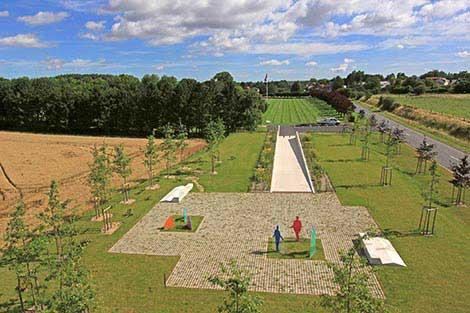 Monday's Monument: Le Monument des Fraternisation, Neuville-Saint-Vaast, France