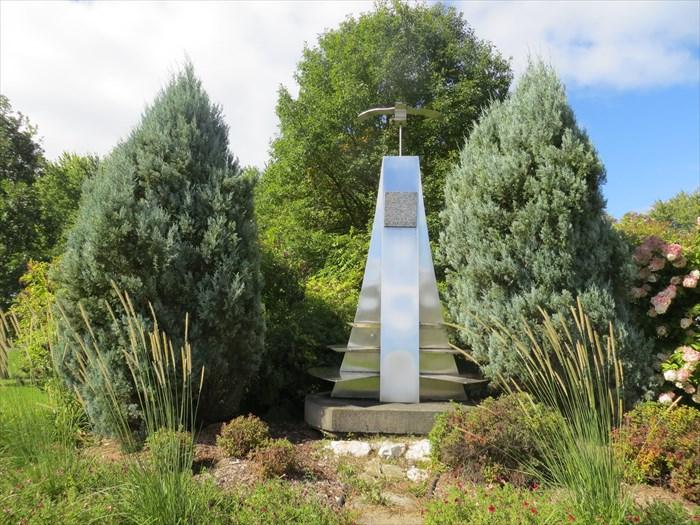 Monday's Monument: Jeunes du Monde, Nicolet, Québec, Canada