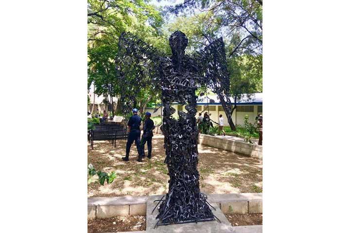Monday's Monument: Ann Chwazi Lapè, Port-au-Prince, Haiti